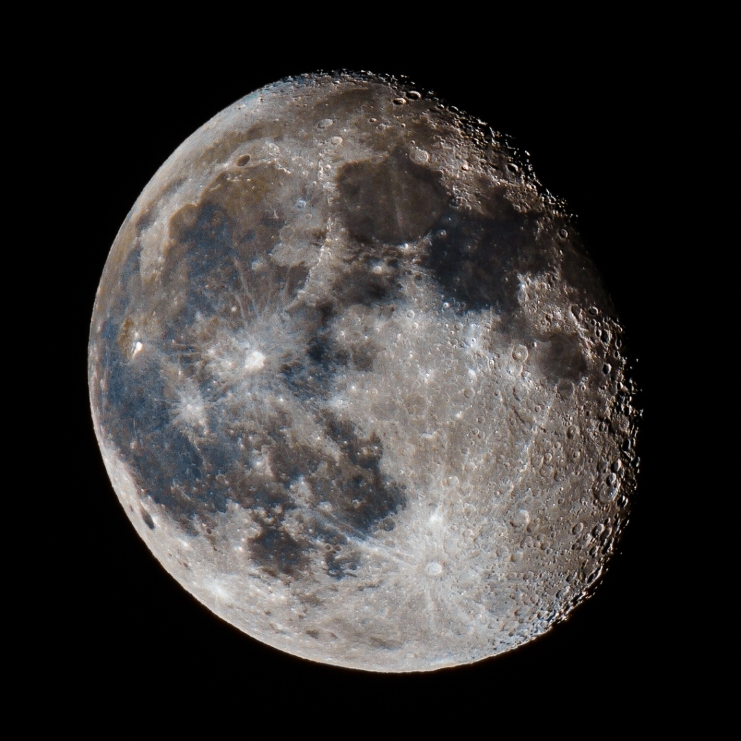 Waning Gibbous Color
