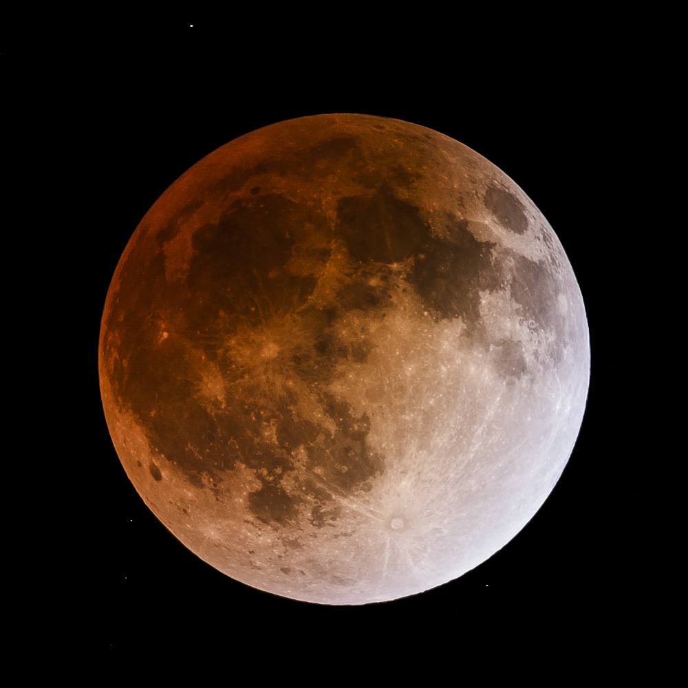 Total Lunar Eclipse April 2014 - First Totality